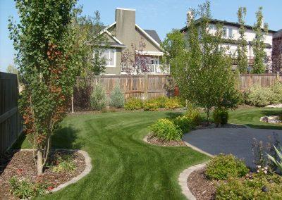 landscaping-calgary-S6300749